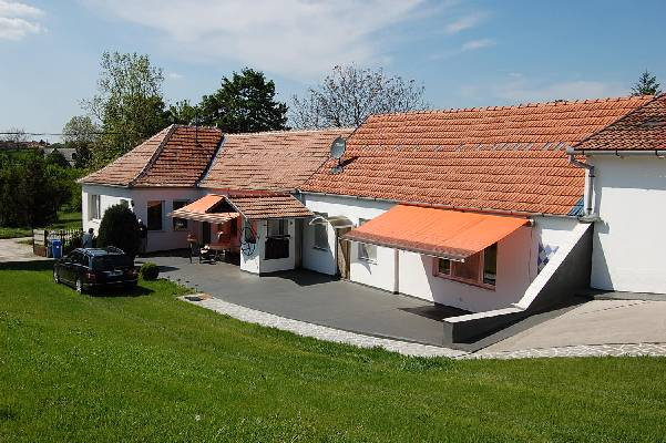 Hongarije ~ Pannonia (West) ~ Baranya (P�cs) - Landhuis - mb Immobilien in S�dungarn (13308)