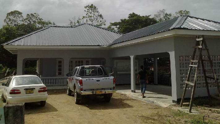 Suriname ~ Wanica - Woonhuis