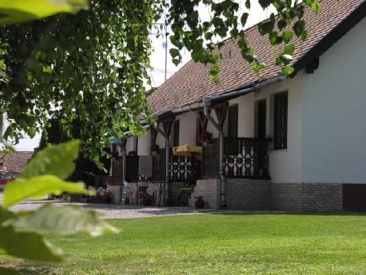 Hongarije ~ Pannonia (West) ~ Baranya (P�cs) - Landhuis - Mecsek Makelaardij Kft (21489)