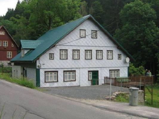 Tsjechië ~ Noord Bohemen - Woonhuis