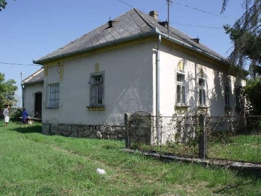 Hongarije ~ Eger-Tokaj (Noord) ~ Heves (Eger) - Woonhuis