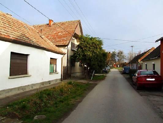 Hongarije ~ Pannonia (West) ~ Baranya (P�cs) - Woonhuis -  (M24318)