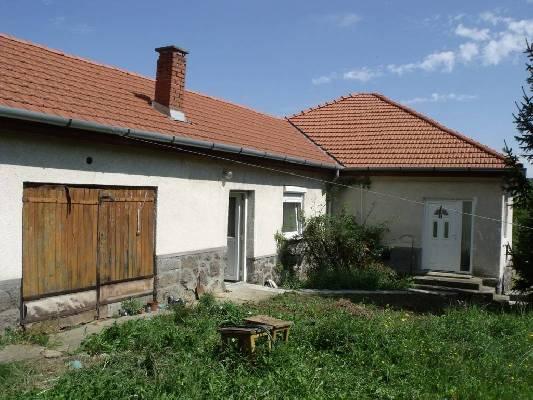 Hongarije ~ Eger-Tokaj (Noord) ~ Borsod-Aba�j-Zempl�n - (Woon)boerderij -  (M24318)
