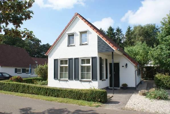 Nederland ~ Limburg - Stenen woning -  (M15456)