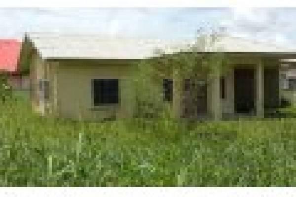 Woonhuis te koop in Suriname - Paramaribo - Kwatta - € 97.000
