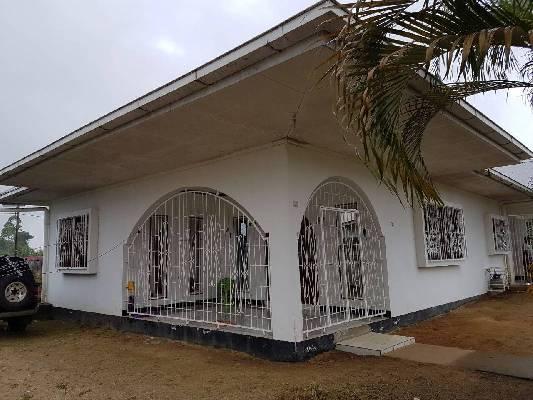 Suriname ~ Paramaribo - Bungalow