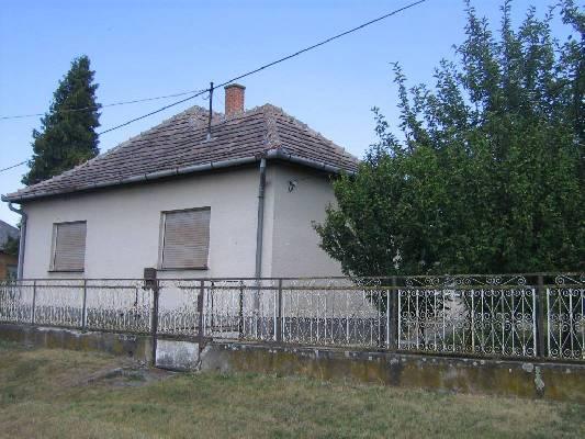 Hongarije ~ Pannonia (West) ~ Somogy (Kaposv�r) - Woonhuis -  (M24318)