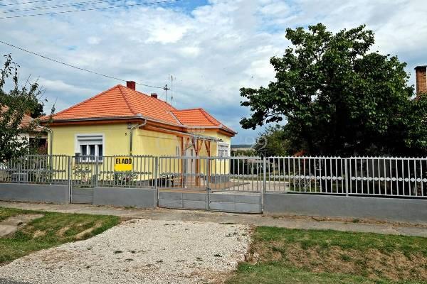 Hongarije ~ Pannonia (West) ~ Balaton - Villa -  (M25630)