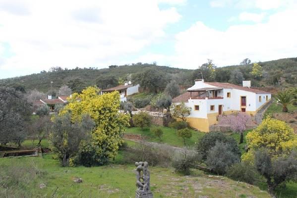 Portugal ~ Évora ~ Vila Viçosa - B & B / Pension