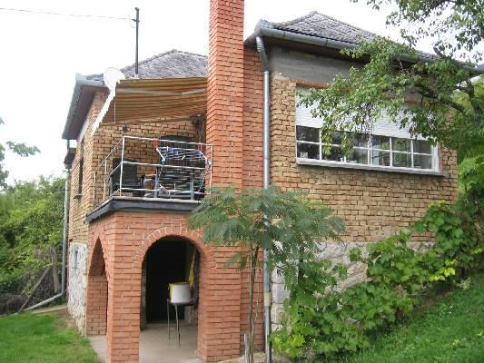 Hongarije ~ Pannonia (West) ~ Tolna (Szeksz�rd) - Bungalow