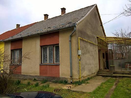 Hongarije ~ Pannonia (West) ~ Baranya (P�cs) - Geschakelde woning