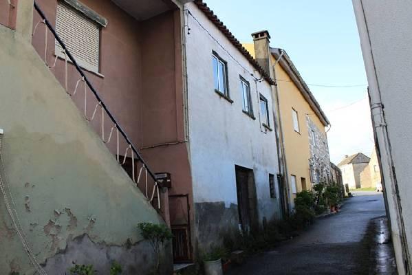 Portugal ~ Zilverkust (Prata) ~ Coimbra ~ T�bua - Woonhuis