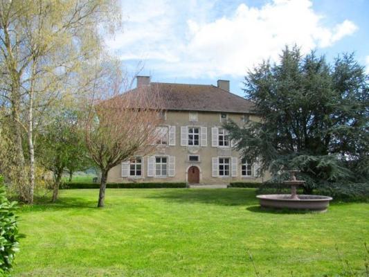 Frankrijk ~ Champagne-Ardenne ~ 52 - Haute-Marne - Herenhuis