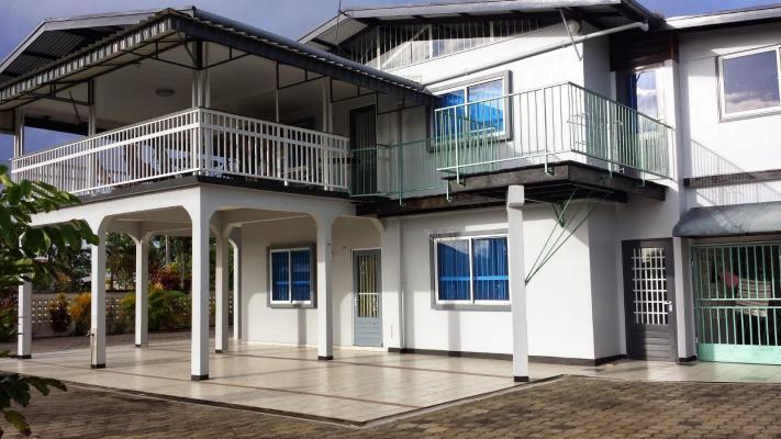 Suriname ~ Wanica - Meergezinswoning