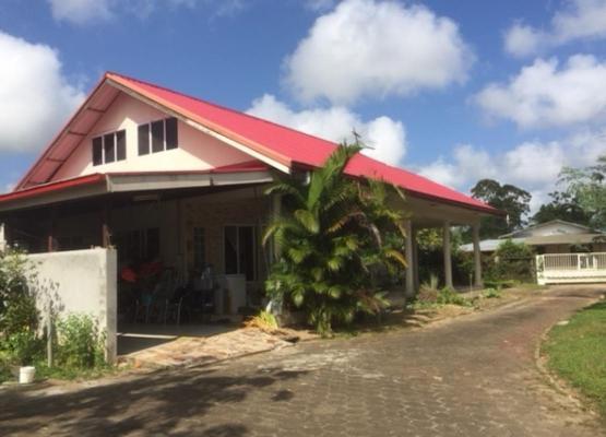 Suriname ~ Commewijne - Woonhuis