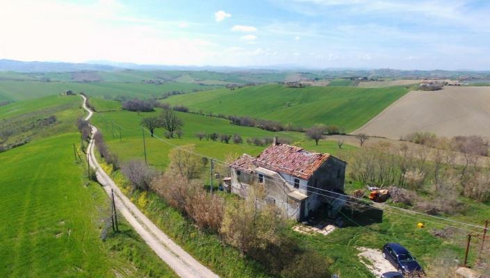 Italië ~ Marken / Marche - Renovatie-object