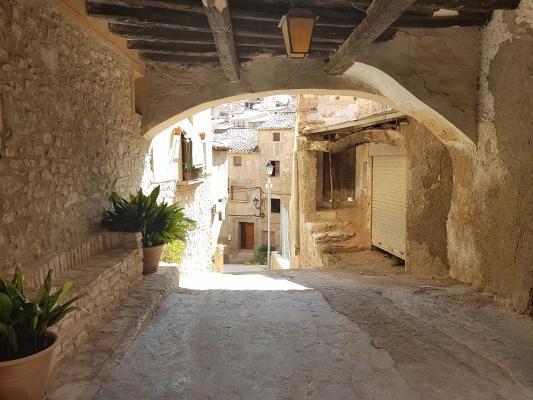 Spanje ~ Catalonië ~ Tarragona ~ Binnenland - Stadswoning
