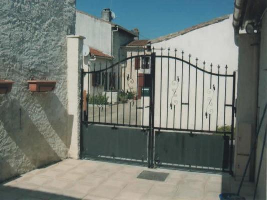 Frankrijk ~ Poitou-Charentes ~ 17 - Charente-Maritime - Stadswoning