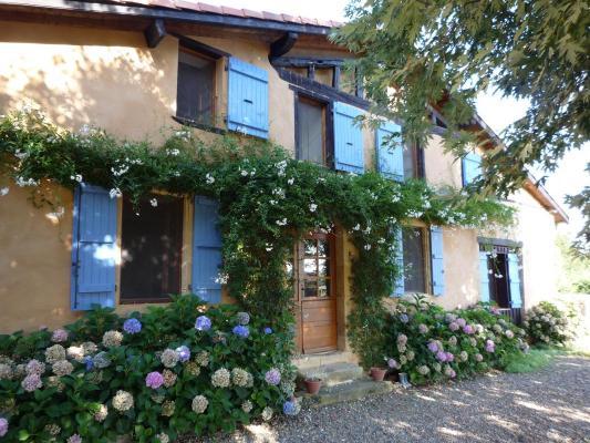 Frankrijk ~ Midi-Pyrénées ~ 32 - Gers - (Woon)boerderij