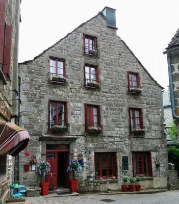 Frankrijk ~ Auvergne ~ 63 - Puy-de-D�me - Maison en pierre