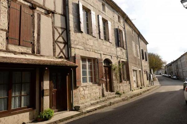 Frankrijk ~ Aquitaine ~ 47 - Lot-et-Garonne - Geschakelde woning