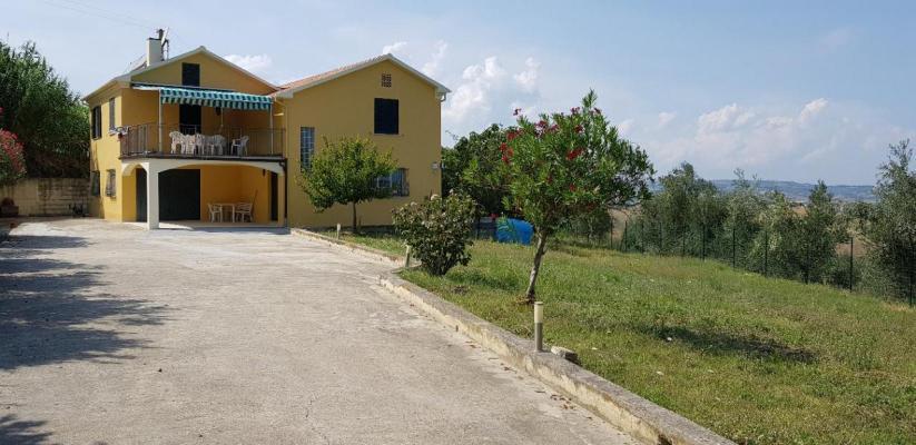 Italië ~ Abruzzen / Abruzzo - Landhuis