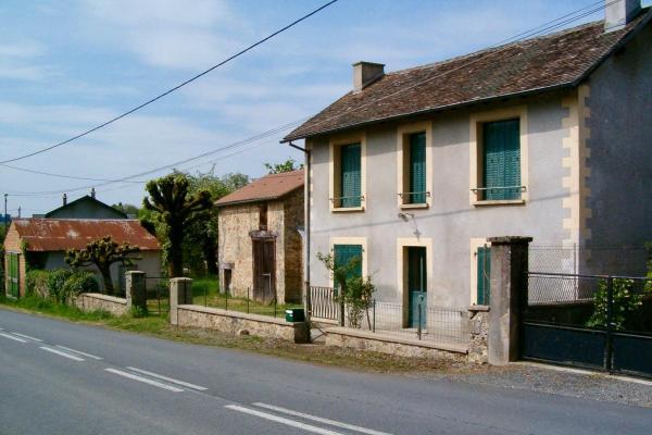 Frankrijk ~ Limousin ~ 87 - Haute-Vienne - Maison en pierre