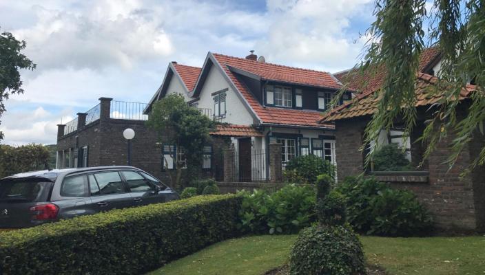 België ~ Vlaanderen ~ Limburg - Geschakelde woning