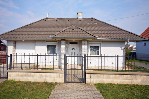 Hongarije ~ Pannonia (West) ~ Balaton - Villa