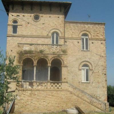 Italië ~ Abruzzen / Abruzzo - Kasteel