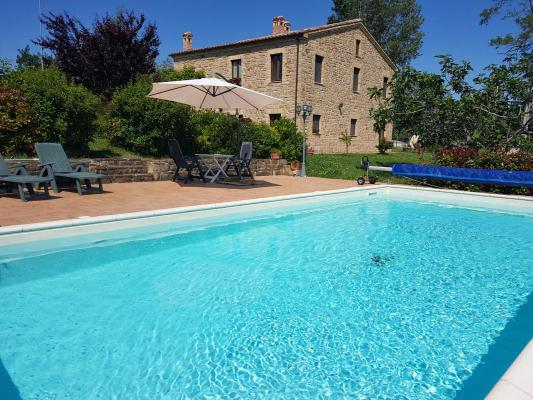 Landhuis te koop in Italië - Marken / Marche - Gualdo - € 390.000