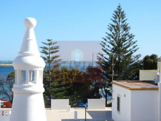 Portugal ~ Algarve (Oost) - Faro ~ Olh�o - Hoekwoning