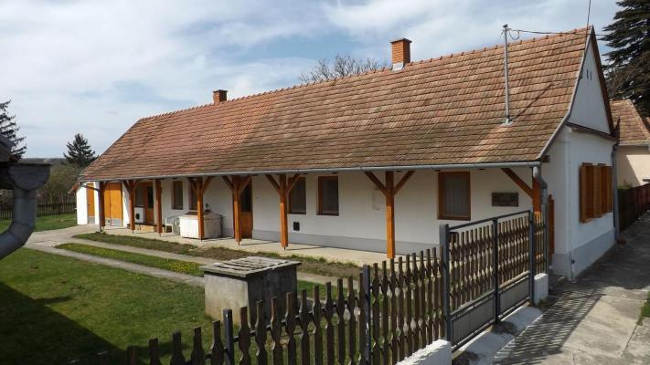 Hongarije ~ Pannonia (West) ~ Vas (Szombathely) - Woonhuis
