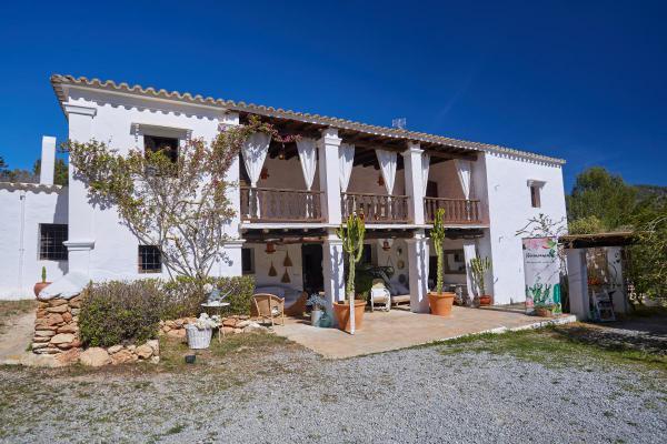 Spanje ~ Balearen ~ Ibiza ~ Kust - Landhuis
