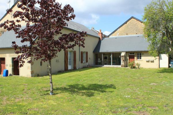 Woonhuis te koop in Frankrijk - Bourgogne - Saône-et-Loire - Rousillon en Morvan - € 165.000