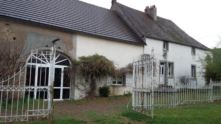 Frankrijk ~ Bourgogne ~ 21 - Côte d`Or - (Woon)boerderij
