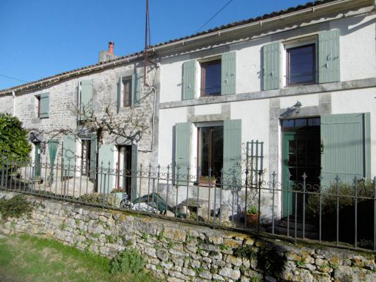 Frankrijk ~ Poitou-Charentes ~ 17 - Charente-Maritime - Woonhuis