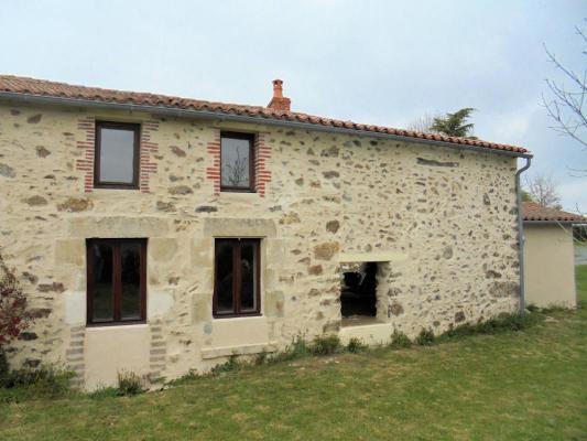 Frankrijk ~ Pays de la Loire ~ 85 - Vendée - (Woon)boerderij