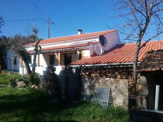 Portugal ~ Alentejo ~ Santar�m ~ Ferreira do Z�zere - Woonhuis