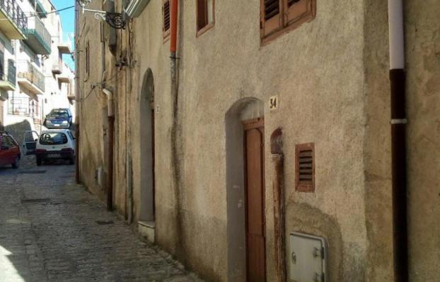 Italië ~ Sicilië - Tussenwoning