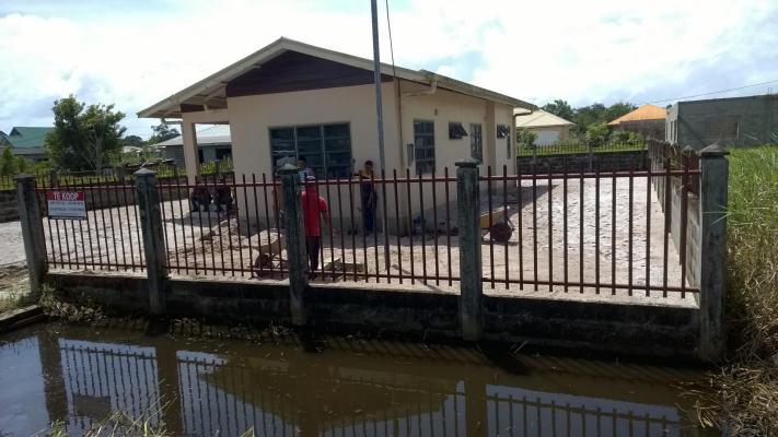 Suriname ~ Wanica - Bungalow