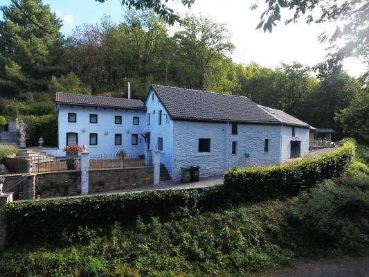 België ~ Wallonië ~ Prov. Luik / Eifel - (Woon)boerderij