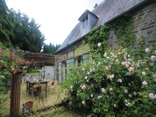 Frankrijk ~ Basse-Normandie ~ 14 - Calvados - (Woon)boerderij