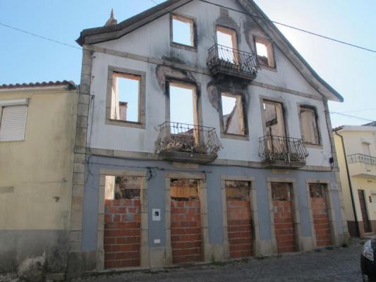 Portugal ~ Coimbra ~ Oliveira do Hospital - Geschakelde woning
