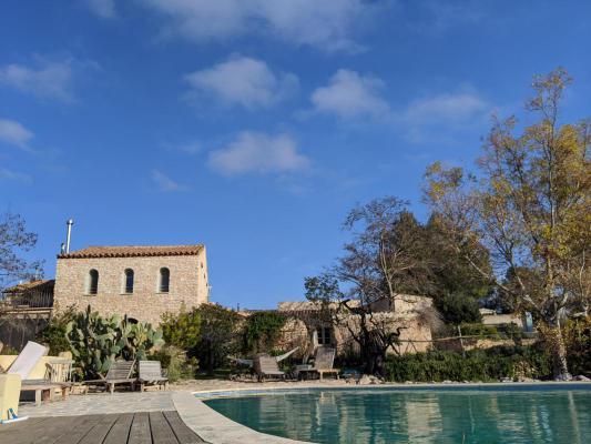 Spanje ~ Catalonië ~ Tarragona ~ Binnenland - (Woon)boerderij Finca