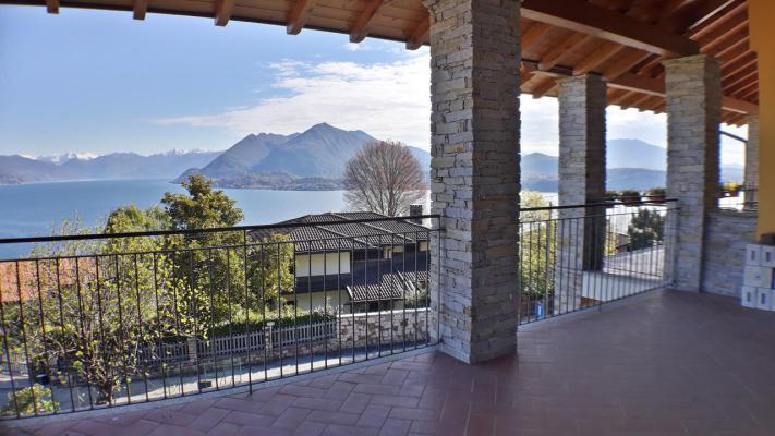 Italië ~ Lago Maggiore - Halfvrijstaand