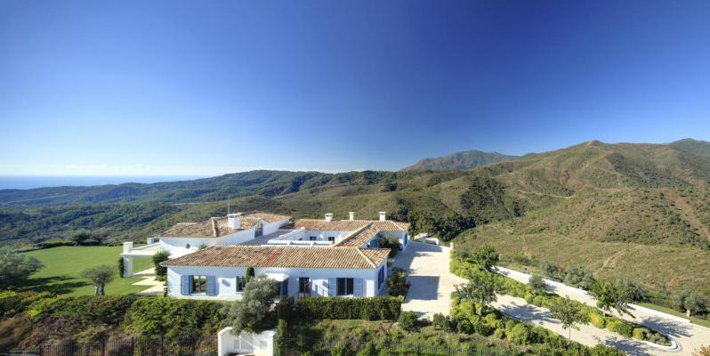 Villa te koop in Spanje - Andalusië - Costa del Sol - Estepona - € 4.900.000