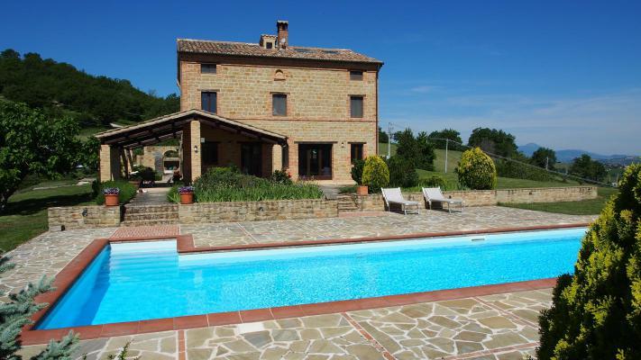 Landhuis te koop in Italië - Marken / Marche - San Ginesio - € 695.000
