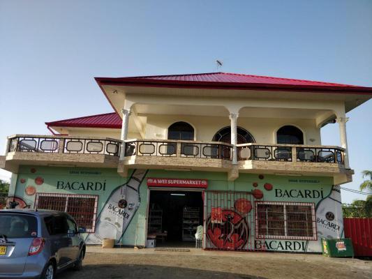 Suriname ~ Wanica - Villa