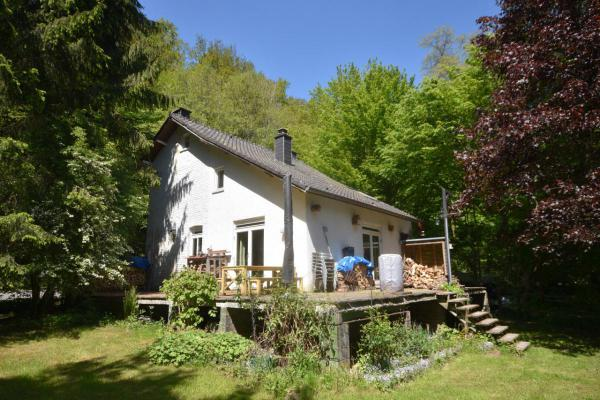 België ~ Wallonië ~ Prov. Luxemburg / Ardennen - Woonhuis